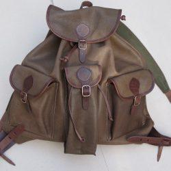 Kis szarvasbőr hátizsák